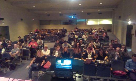 Audiencia en la charla de Análisis de Keywords
