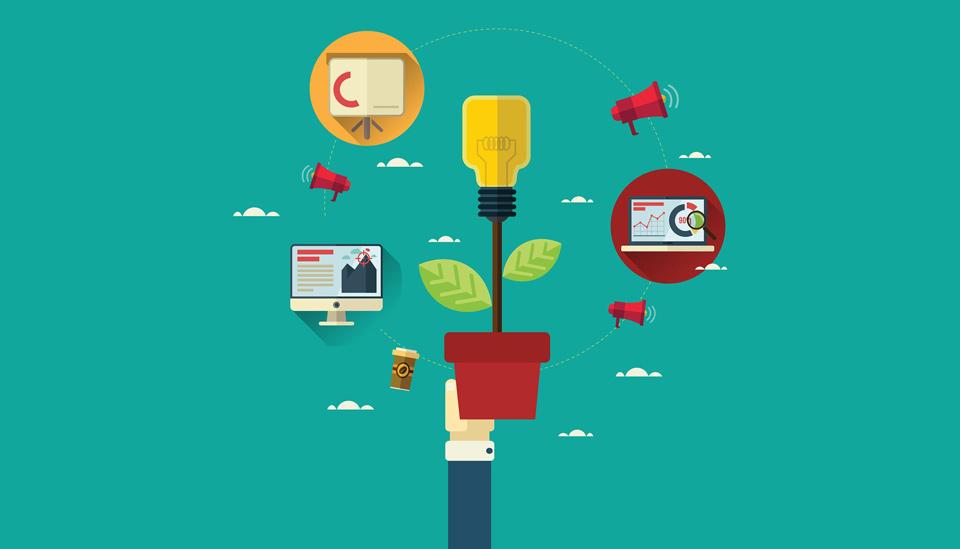 Una bombilla en un macetero con iconos de marketing al rededor