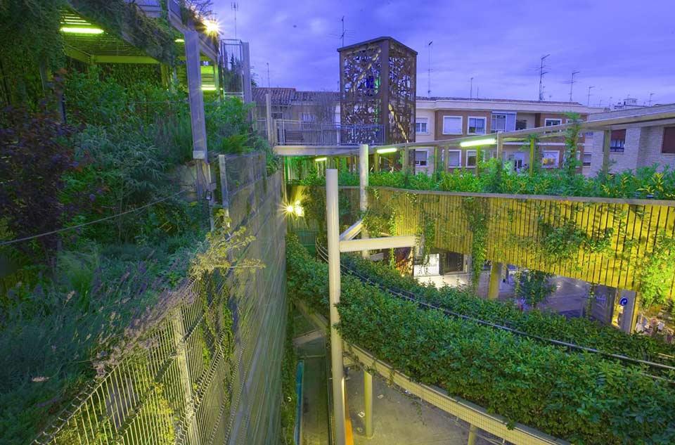 Vista del parque vertical de Delicias en la zona residencial del distrito